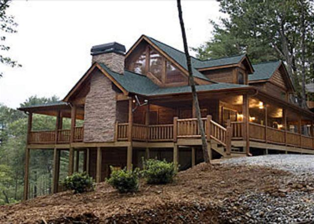 ENTRANCE VIEW - Luxury Log Home with Outdoor Woodburning fireplace and much more. - Cherry Log - rentals