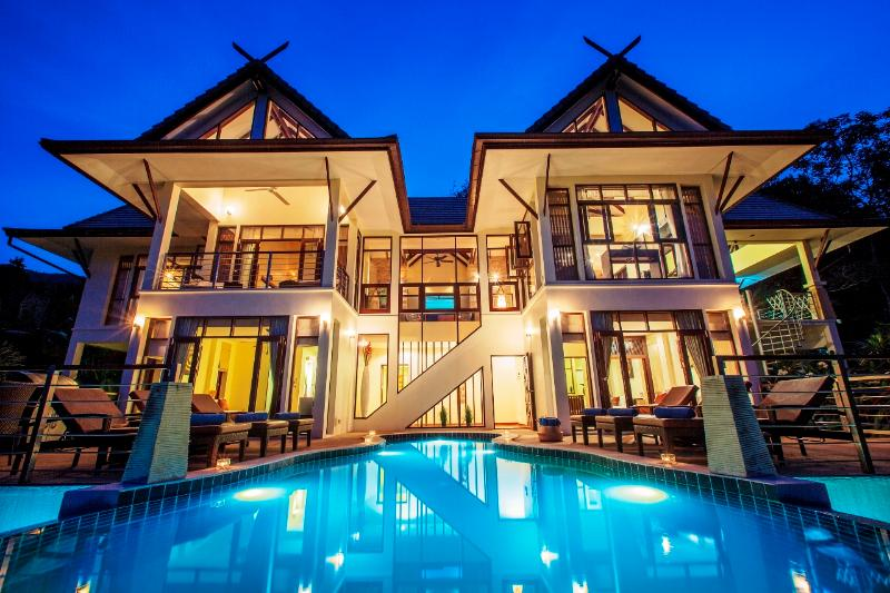 Villa Maphráaw at Night... Now offering free nights & special discounts - Voted: TripAdvisor Top Villa Rental on Samui 2013 - Koh Samui - rentals