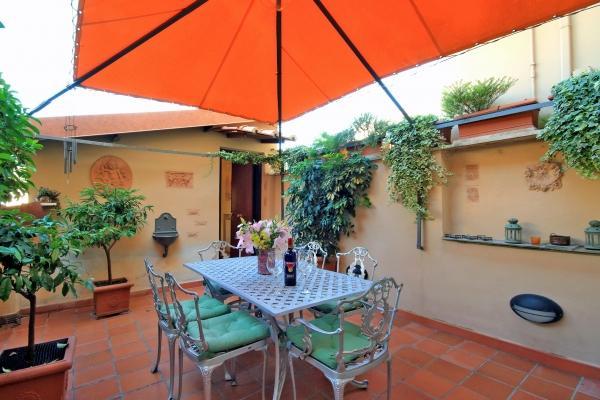 CR184 - SECRET GARDEN - Image 1 - Rome - rentals
