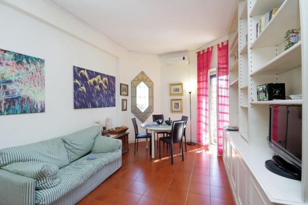 CR371 - Casa di Marco - Image 1 - Rome - rentals