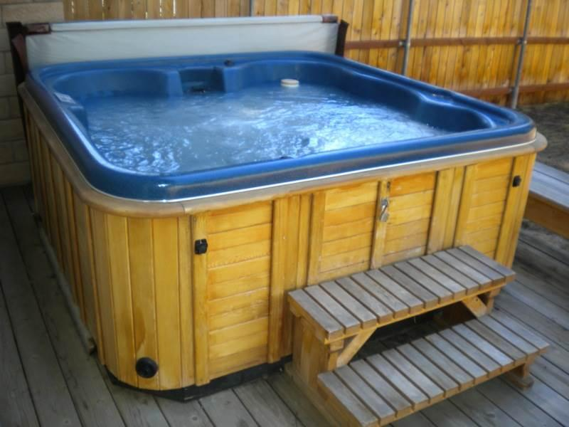 2728 Springwood Chalet with a Hot Tub - Image 1 - South Lake Tahoe - rentals