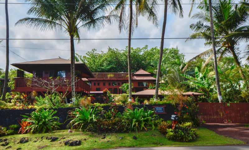 The Bali House at Kehena Beach - Romantic Oceanfront Bali House,Spa @ Kehena beach - Pahoa - rentals
