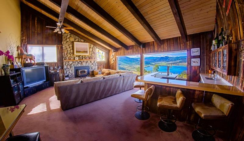 The Great Room in the Main House comfortably accommodates the whole group - Bella Vista Private Estate with Amazing Views! - Steamboat Springs - rentals