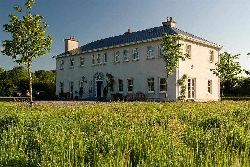 Rathellen House, Tipperary, IRELAND - Rathellen House - a luxurious rental in Tipperary. - Tipperary - rentals