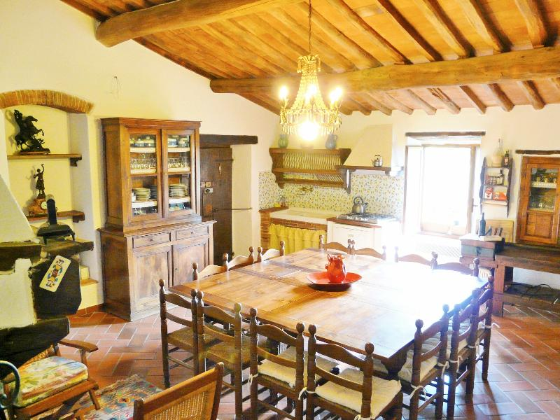 Villa kitchen - Villa Patrignone - a beautiful large Tuscany Villa - Castellina In Chianti - rentals
