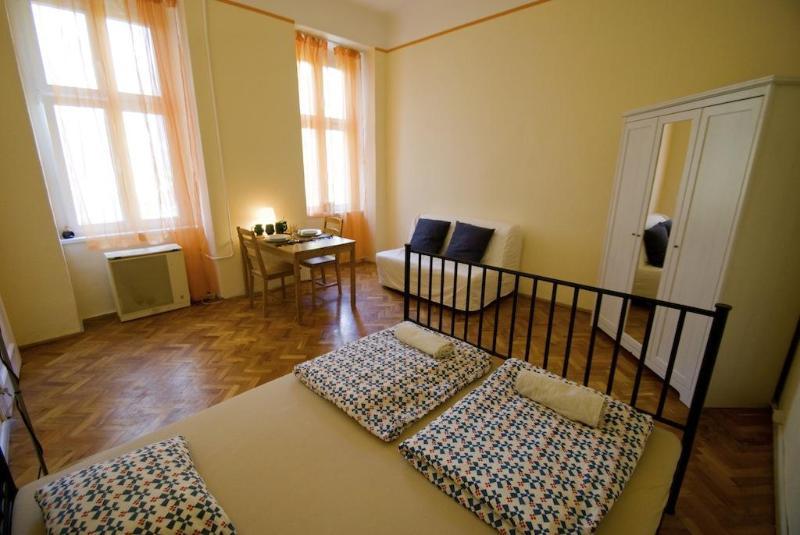 Budapesting's Astoria Garden View Apartment - Image 1 - Budapest - rentals