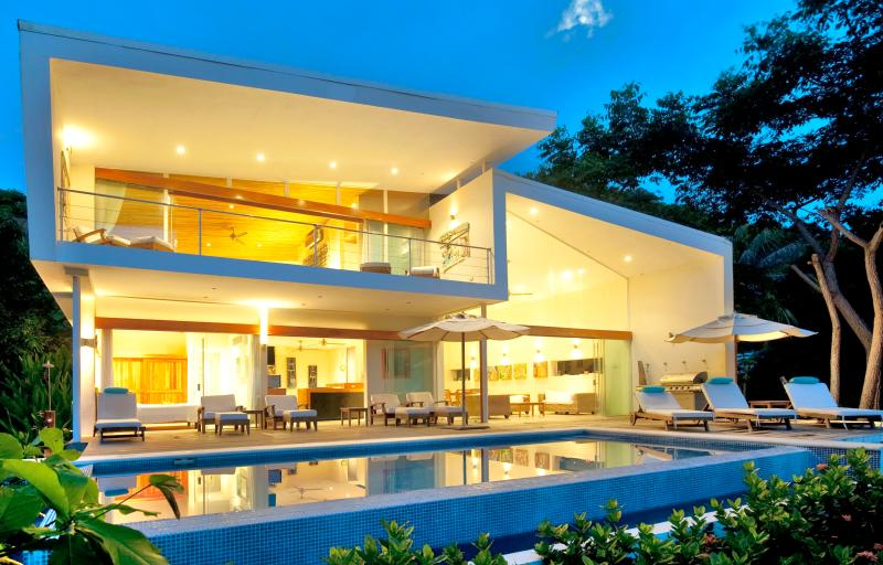 The White House of Costa Rica - Santa Teresa Playa Hermosa Beachfront Luxury House, A/C - Santa Teresa - rentals