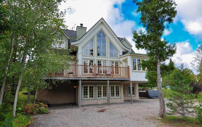3 Level Chalet with parking for 6 cars - Chalet du Geant - ONLY 5-STAR on Tremblant resort! - Mont Tremblant - rentals