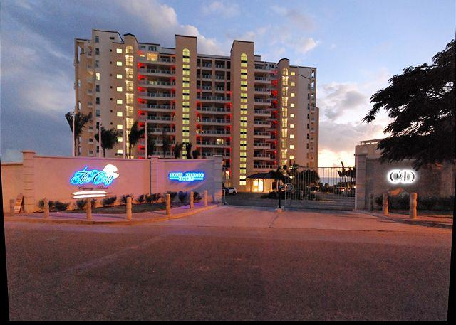 The Cliff at dusk - The Cliff at Cupecoy 8th Floor * E8*-Stay 7 pay 6 - Starting at $350.00 US - Saint Martin-Sint Maarten - rentals
