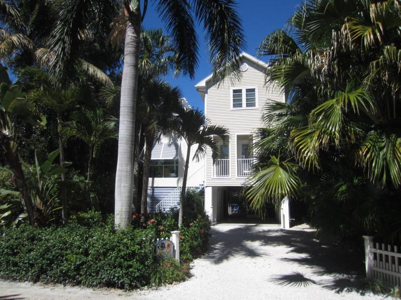 Sun & Moon House - Sun & Moon Pool House, Beach Side of Village Center - Captiva Island - rentals