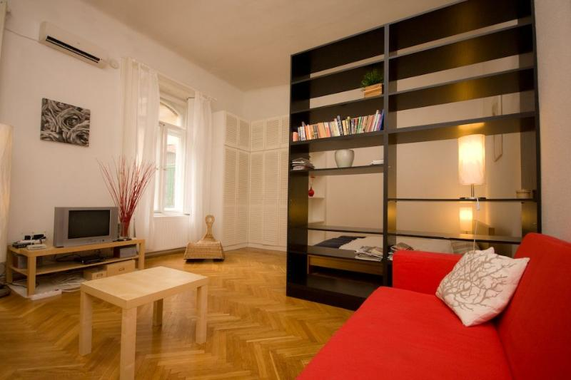 Apartment living room - Beside The Danube - Holiday In Budapest Apartment - Budapest - rentals
