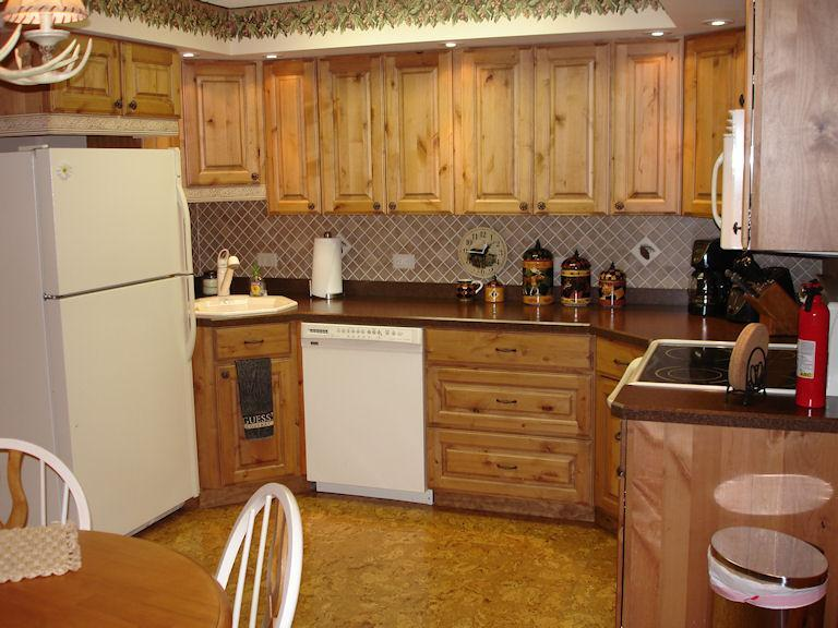 Hill House Cottage Full Kitchen - 5-Star 2BR/2BA Cottage, Minocqua, WI - Minocqua - rentals
