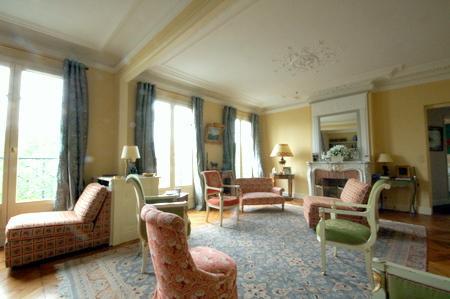 Champs-Elysées 2 bedroom 2 bathroom & Balcony (2292) - Image 1 - Paris - rentals