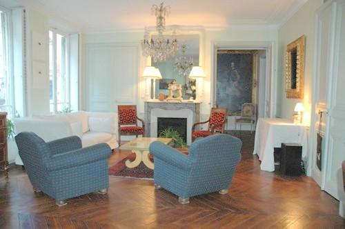 Marais 2 bedroom 2 bathroom (2587) - Image 1 - 1st Arrondissement Louvre - rentals