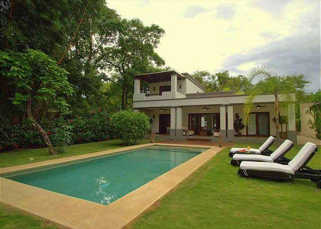 Pool area - Beautiful 2 bedroom house close to the beach in a tranquil area - Tamarindo - rentals