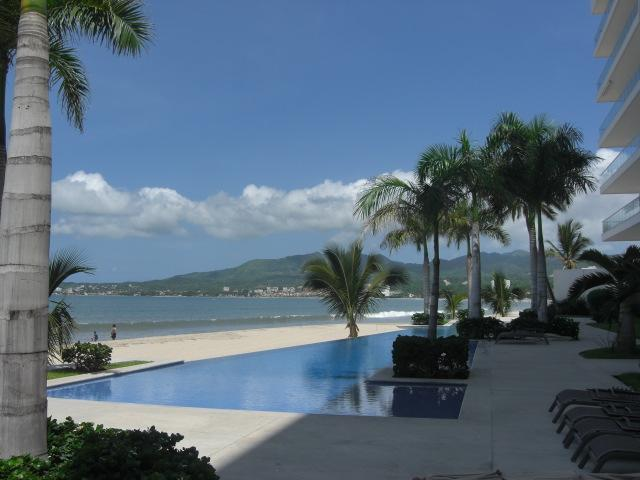 Indulge in beachfront luxury - Five Star Beachfront New Bucerias Luxury Condo - Bucerias - rentals