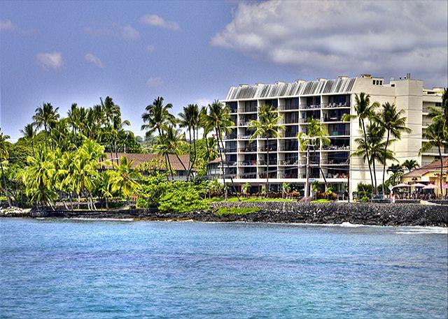 Large 2 bedroom, 2 bath condo right down town - Image 1 - Kailua-Kona - rentals