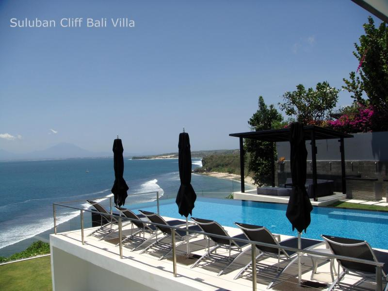 Suluban Cliff  Absolute oceanfront in Uluwatu. Clifftop Infinity Pool - Oceanfront Clifftop Suluban Cliff Villa Uluwatu - Uluwatu - rentals
