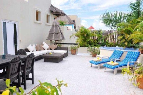 PK31 - Penthouse -2 Bed - 2 Bath- rooftop Jacuzzi - Image 1 - Playa del Carmen - rentals