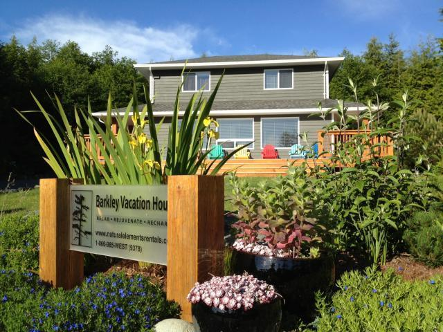 exterior - Beautiful 3 Bedroom West Coast Home - Ucluelet - rentals