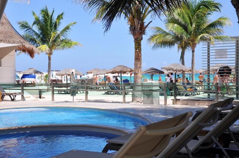 "Mamitas Beach Club less than one block from this condo - Spacious 2 Bed 2 Bath Near Mamitas Beach ""MV202"" - Playa del Carmen - rentals"