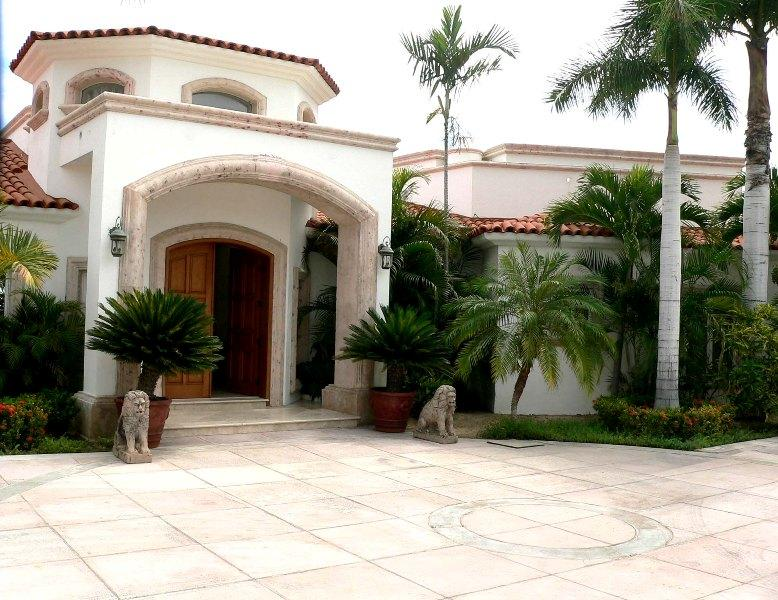 Villa Paraiso, elegant beach front home - Image 1 - San Jose Del Cabo - rentals