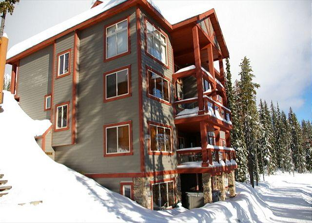 Snowbanks 6, Ski Acess, Big White, BC - Snowbanks 6, Comes with a Movie Room, Sleeps 14 with Comfort, Ski in/Out - Big White - rentals