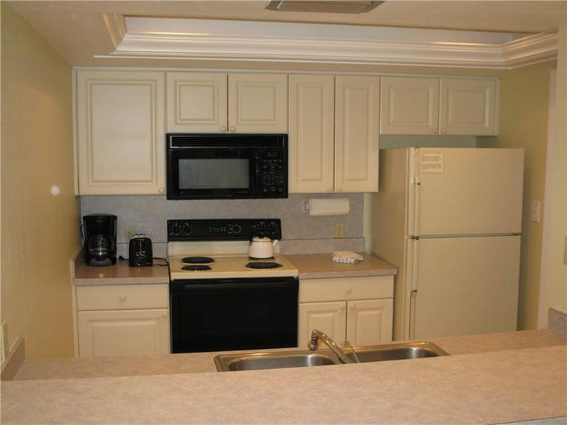 Welcoming 2BR on Gulf side with TV/DVD #211GS - Image 1 - Sarasota - rentals