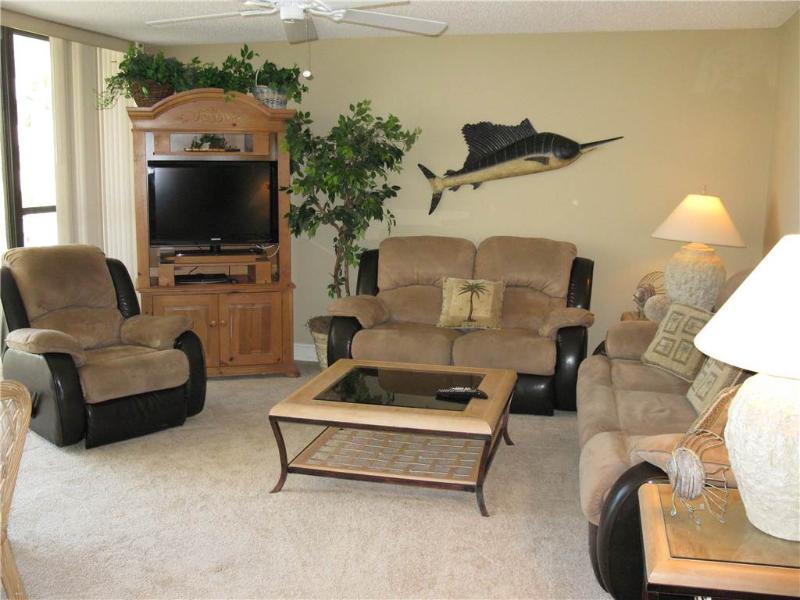 Gulf Front 2BR getaway, leather furniture #214GV - Image 1 - Sarasota - rentals