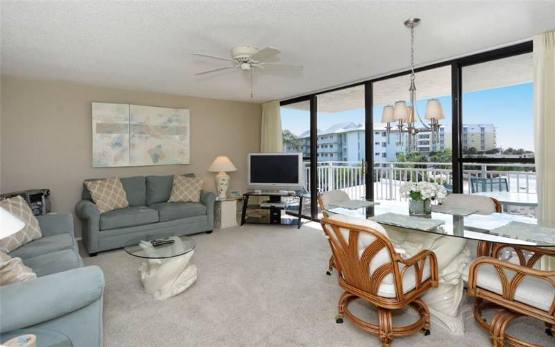 Bright 2BR with TV/DVD, balcony #303GS - Image 1 - Sarasota - rentals