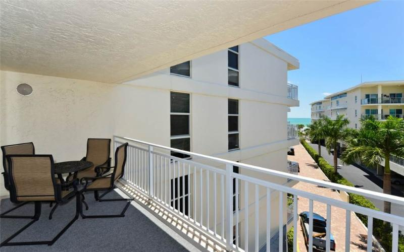 "Excellent Gulf Side 2BR with new 37"" HDTV #402GS - Image 1 - Sarasota - rentals"