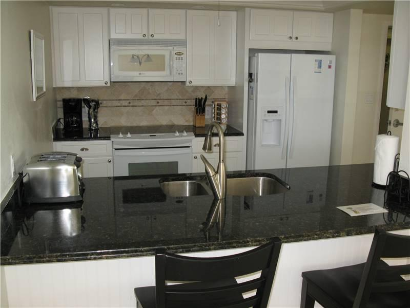 Gulf Side 2BR with leather furniture, TV/DVD #501GS - Image 1 - Sarasota - rentals