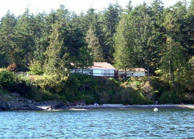 A kayaker's view of the beach and the home overlooking Shoal Bay. - Cedars by the Sea on Lopez Island - Lopez Island - rentals
