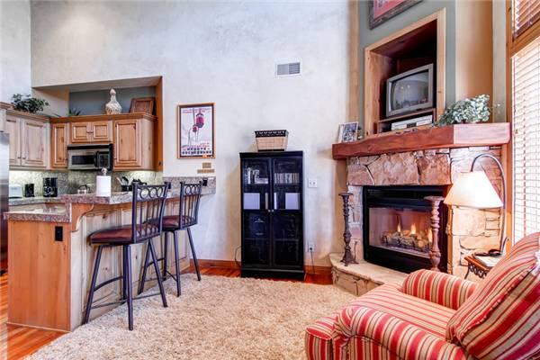 LIFT LODGE 303: Ski-in Ski-out! - Image 1 - Park City - rentals