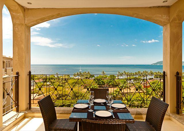 Terrace with view - Luxury 2 bedroom ocean view condo with access to resort faciliites - Tamarindo - rentals