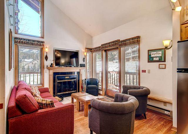 Tyra Aspen Living Area Breckenridge Lodging - Tyra Aspen 9A Ski-in/Ski-out Condo Breckenridge Colorado - World - rentals