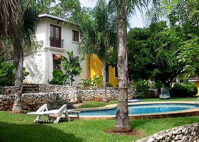 Grounds- - Peaceful retreat- near beach and town, pool, a/c, internet, cable - Tamarindo - rentals