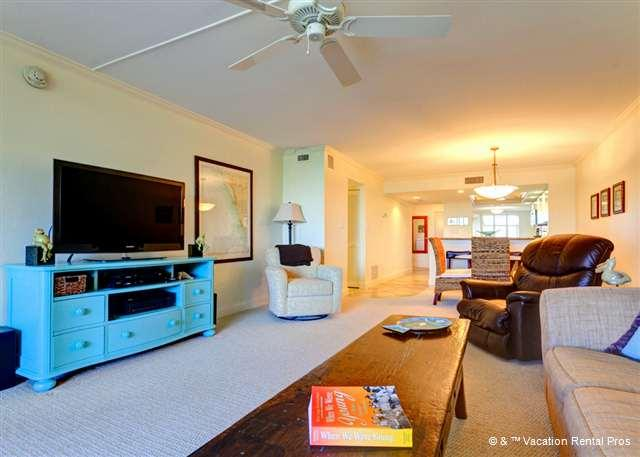 Plan a movie night, every night! - Gulf and Bay Club 305C GulfView 3 pools, fitness room, spa, wifi - Siesta Key - rentals