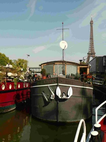 Live on the Seine Houseboat Grenelle  #299 - Image 1 - Paris - rentals