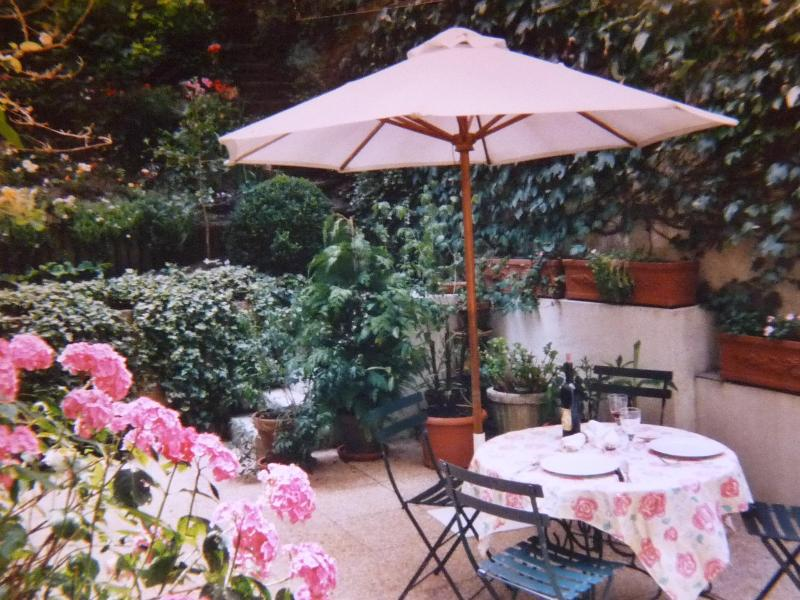 Comfortable House with garden in Montmartre- apt # - Image 1 - Paris - rentals