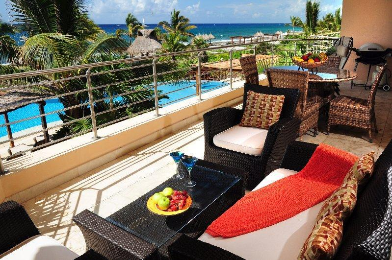 Large covered terrace with 180 views - Casa Bella Vista - Punta Roca 203 Ocean View - Puerto Aventuras - rentals