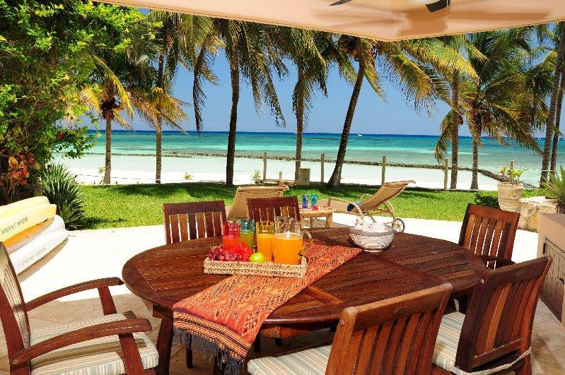 Private terrace - Beautiful 4 BR beachfront Condo Villas del Mar - Puerto Aventuras - rentals