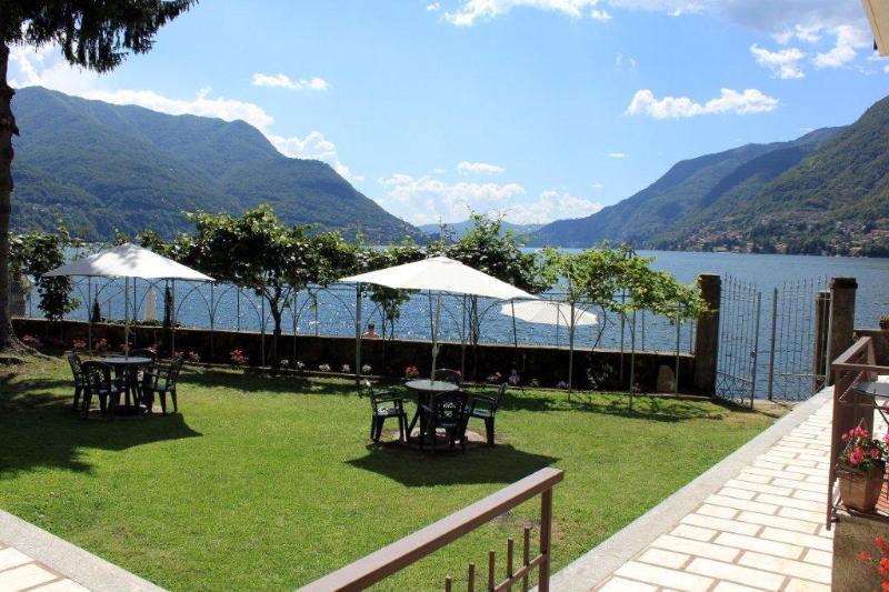 Garden and Entry to Sand Lido and Beach - SPECTACULAR WATERFRONT - Villa Miya - Lake Views - Como - rentals