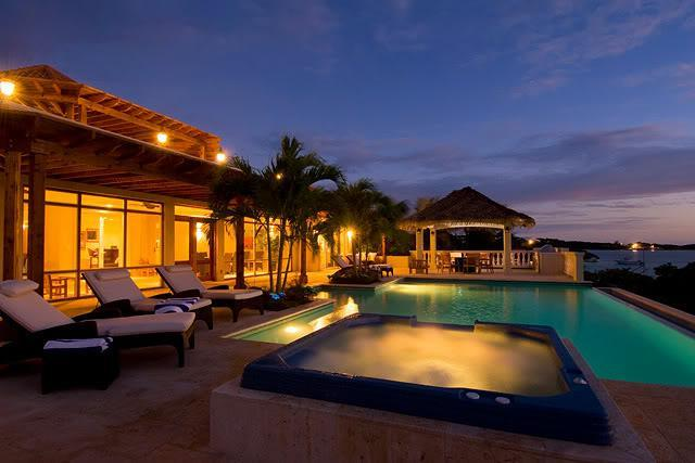Incredible pool and hot tub at night - Impeccable Oceanfront Villa in Chalk Sound - Providenciales - rentals