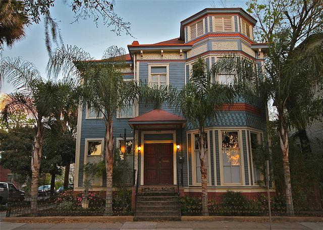 Luxury Home overlooking Forsyth Park - Image 1 - Savannah - rentals