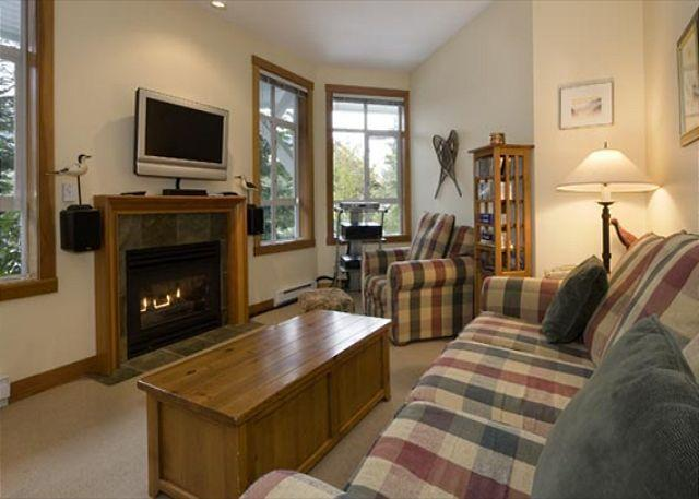 Cozy Living Room with Gas Fireplace and Flat Screen TV - Granite Court #301 | 2 Bedroom Townhome, Fireplace, Village North, Parking - Whistler - rentals
