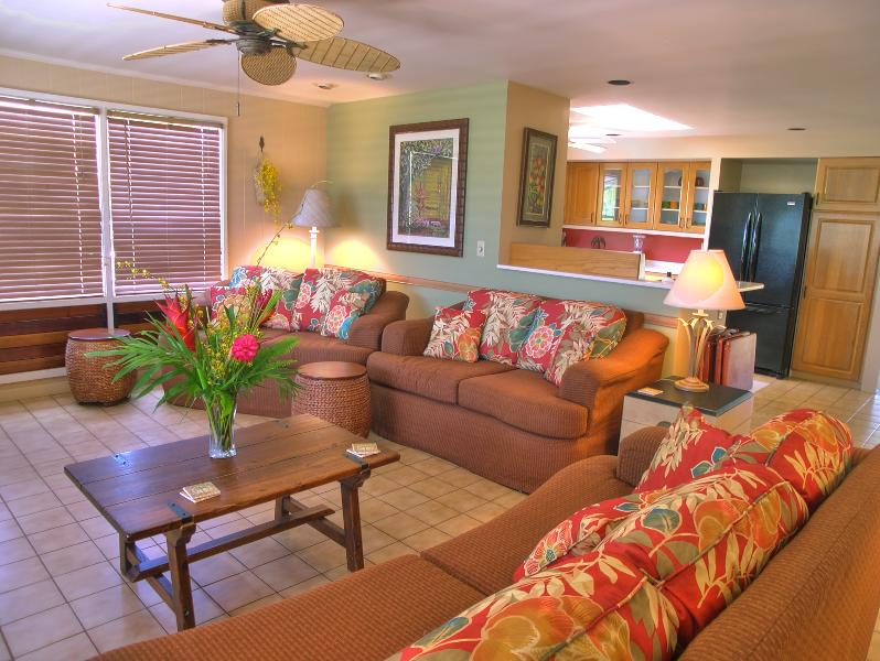 Large living room with lots of comfortable seating - Ala Muku, 4 bedroom Kauai Vacation Home in Poipu - Poipu - rentals