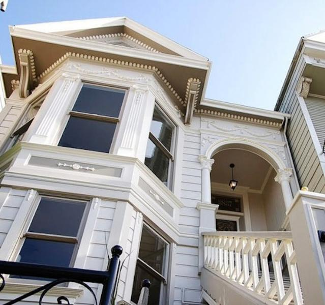 Gingerbread Detail Victorian Exterior - Gorgeous 2 Bedroom Victorian Flat in Dolores Park - San Francisco - rentals
