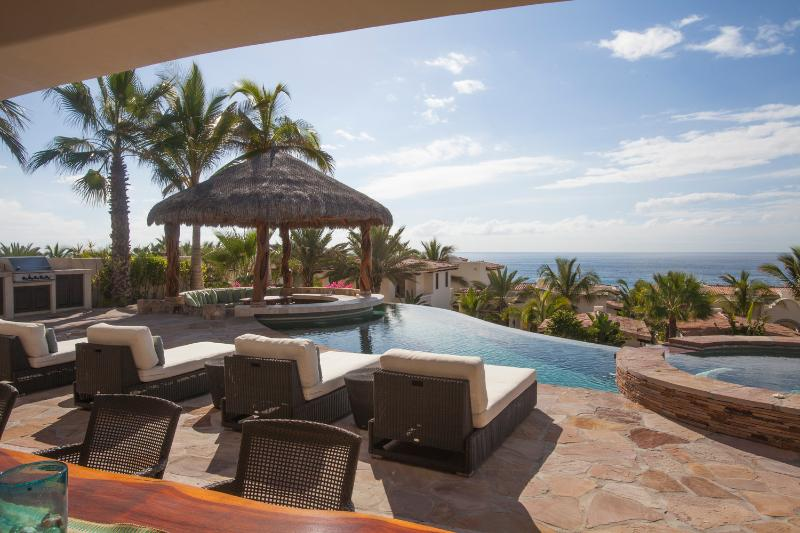 4BD Beautiful Villa, steps to the the beach! - Image 1 - San Jose Del Cabo - rentals
