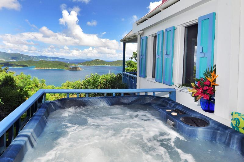 Hot tub - Sago Cottage: Romantic, private, spa. fantastic view - Coral Bay - rentals